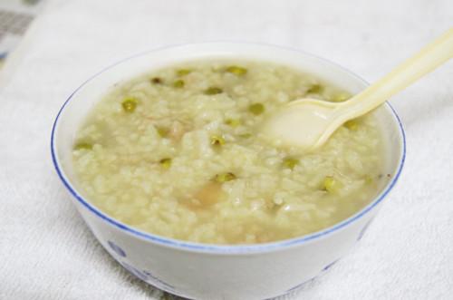 百合绿豆养生粥