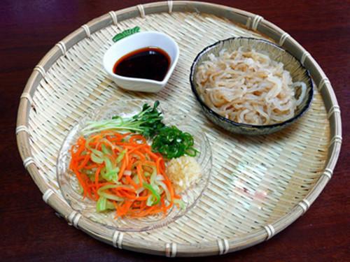 蒜泥海蜇萝卜丝