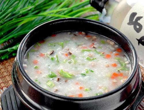 养生糙米蔬菜粥