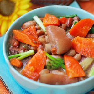 莲藕红豆煲牛腱
