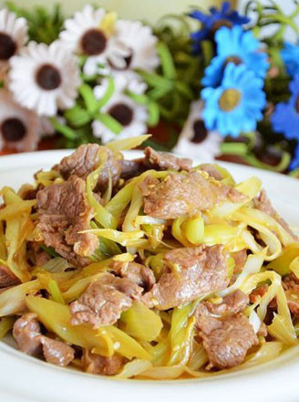 男性滋补午餐:葱爆羊肉的做法