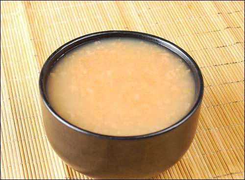 专属于八个月宝宝的美味食谱:猪骨胡萝卜泥