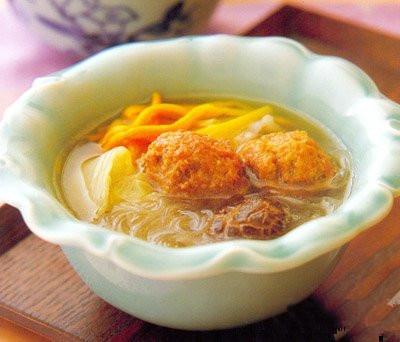 白菜金针肉丸汤