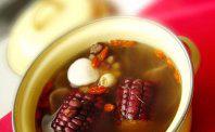 补气珍品莲子芡实淮山玉米汤