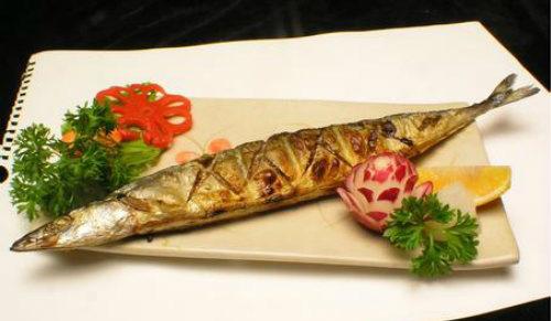 时蔬烤秋刀鱼怎么做