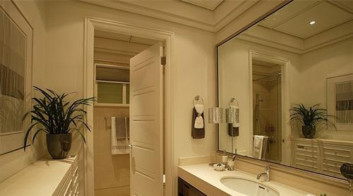 卫生间镜子摆放风水讲究和禁忌(4)