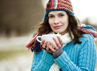 秋冬女性手脚怕冷怎么办?中医刮痧可缓解