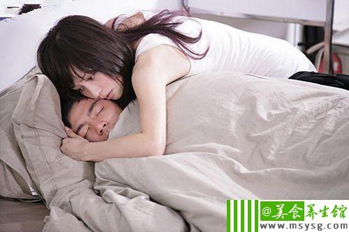 男女间最诱人的暧昧暗示(4)